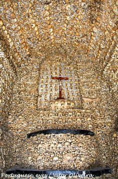 Capela dos Ossos da Igreja Matriz de Alcantarilha - Portugal by Portuguese_eyes, via Flickr