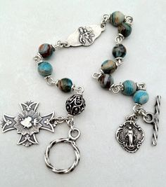 I handcraft heirloom quality gemstone rosaries in classical chain work. The rosary bead parts are vintage reproduction. Simple Jewelry, Diy Jewelry, Beaded Jewelry, Beaded Necklace, Jewelry Design, Jewelry Making, Jewelry Ideas, Jewlery, Rosary Bracelet
