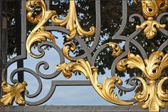 Ironwork Place Stanislas (Nancy) Ironwork Jean-Baptiste Lamour - from the Place Stanislas conducted between 1751 and 1755 in the Louis XV style scenery with acanthus leaves, shells, flower vases, covered animals gilding Arabesque, Gates, Grill Gate, Stair Railing, Railings, Stairs, Metal Grill, Front Gate Design, Knobs And Knockers