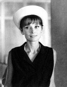 Audrey Hepburn photographed by Pierluigi Praturlon at the Orly Airport in Paris, France, July 28, 1962.