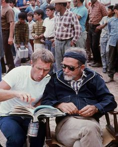 """onechair-barbershop: """"Steve McQueen & Sam Peckinpah on the set of The Getaway So…much…manliness """" Steve Mcqueen, Vintage Hollywood, Classic Hollywood, Sam Peckinpah, Old Movie Stars, Iconic Movies, Film Director, Movie Theater, Actors & Actresses"""