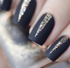 Pink with glitter Nail Art Designs, Nail simple nail designs. Lovely Summer Nail Art Ideas, Art and Design. Red, White, and Gold Glitter Nail Art Design New Year's Nails, Love Nails, How To Do Nails, Hair And Nails, Nails 2016, Gorgeous Nails, Pretty Nails, New Years Eve Nails, New Years Nail Art