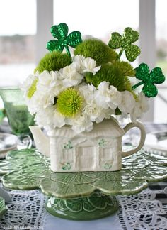 Belleek Irish Cottage Teapot Flower Arrangement for St Patrick's Day and Tablescape | ©homeiswheretheboatis.net #stpatricksday #tablescape