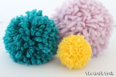 THe easiest way to make pom poms