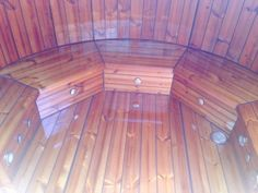 Badefass mit Whirpoolfunktion von www.sisu-sauna.at Outdoor Sauna, Indoor Outdoor, Sauna Kits, Diy Sauna, Tub, Pallet Ideas, Bathing, Corning Glass, Bathtubs
