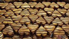 Czech Recipes, Christmas Cookies, Dog Food Recipes, Almond, Biscuits, Vegetables, Xmas Cookies, Crack Crackers, Cookies