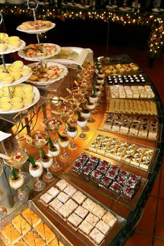 Dessert Table Ideas that will Blow your Mind: Create Yours! This sweet table set up is divine. We could eat it up!This sweet table set up is divine. We could eat it up! Buffet Dessert, Dessert Bars, Dessert Ideas, Wedding Desserts, Mini Desserts, Wedding Dessert Tables, Wedding Appetizer Table, Wedding Buffets, Sweet Table Wedding