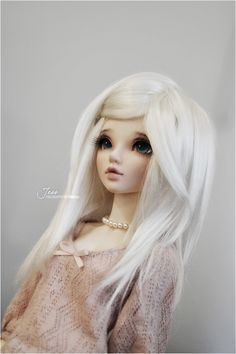 i wish my ma would've gotten me a pale doll like this when i was little... barbies all tan and shit. #palegale