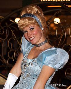 Cinderella - Disney's Parade of Dreams