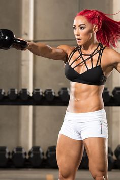 RSP Nutrition athlete Hannah Eden show you 5 challenging CrossFit techniques that will turn up the heat in minutes. Add them to your workout and be prepared to watch time crawl!