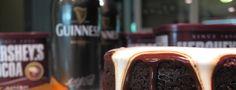 Bolo de chocolate com uma Guinness