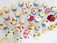 Having classes in Qingdao. Thanks for coming to take my classes from a far side of China. #bakingclass#buttercream#cake#baking#wiltoncakes#weddingcake#버터크림케이크#wilton#flowers#buttercake#플라워케이크#wedding#버터크림플라워케이크#specialcake#birthdaycake#flower#플라워케익#rose#디저트#케이크#cupcake#dessert#food#beautiful#부케#bouquet#instacake#꽃스타그램#flowercake#peony @yoon2222222