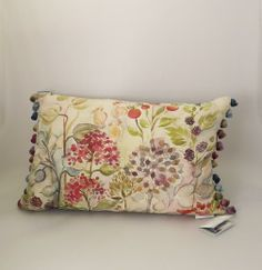 Shop now for Voyage Maison Hedgerow Linen Cushion! Country Lounge, Cottage Lounge, Cottage Living Rooms, Cottage Interiors, New Living Room, Victorian Cottage, Welsh Cottage, Voyage Fabric, Textiles Techniques