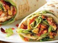 Wrap froid végétarien - Food and Drinks Veggie Recipes, Vegetarian Recipes, Healthy Recipes, Vegetarian Wraps, Clean Eating Snacks, Healthy Snacks, Crema Fresca, Paninis, Wrap Sandwiches