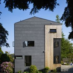 Fiber Cement Siding Cost Exterior Contemporary with Casement Windows Cedar Concrete Fibre Cement Cladding, Fiber Cement Siding, Wood Siding, Metal Cladding, Cedar Siding, Modern Exterior, Exterior Design, Siding Cost, Exterior Cladding