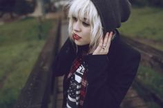 straight bangs, blonde hair