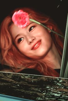 Nayeon, Kpop Girl Groups, Kpop Girls, Sana Cute, Twice Video, Kimbap, Sana Momo, Sana Minatozaki, Gifs