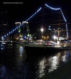 Viejo buque museo en dique 4 de Puerto Madero,  sirve de atracción para el turismo de Buenos Aires.
