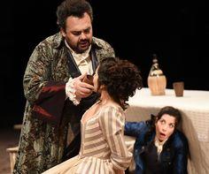 Roberto De Candia (Il Conte di Almaviva), Laura Giordano (Susanna), Cherubino (Laura Polverelli) - foto di Roberto Ricci