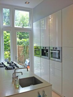 Mooie kastenwand voor bijvoorbeeld een eiland keuken opstelling