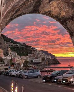Burning skies at sunset Amalfi, Amalfi Coast, Italy. Photo by … – All Pictures Italy Vacation, Italy Travel, Nature Pictures, Travel Pictures, Travel Pics, Travel Images, Beautiful Sunset, Beautiful Places, Amalfi Coast Italy