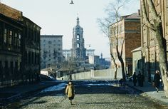 Фото 1950-х гг. Martin Manhoff. Вид из 4-го Крутицкого переулка