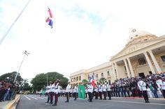 Presidente Medina encabeza actos de homenaje a la Bandera Nacional
