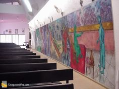 """Mural de Emeric Marcier, """"Criação do Mundo"""", ocupa a lateral da capela do Educandário Dom Silvério."""