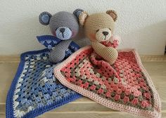 My Krissie Dolls, knuffeldoekjes met beertje. Handmade by Linnepin. Crochet Security Blanket, Crochet Lovey, Manta Crochet, Love Crochet, Crochet Motif, Baby Blanket Crochet, Crochet For Kids, Crochet Dolls, Knit Crochet