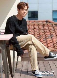 Фотография Kim Joong Hyun, Jung Hyun, Kim Jung, Korean Guys, Korean Actors, Drama Korea, Korean Drama, Drama School, Kdrama Actors