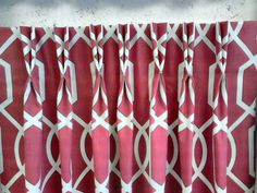 Perfect example of pleating to pattern. This Blendworth fabric just lends itself. Here it has a Double Pinch Pleat
