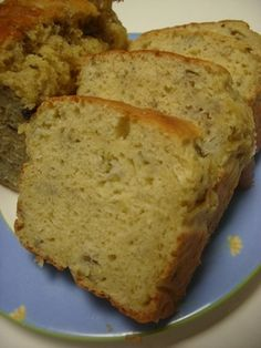 Banana, nana! Easy and good. I actually made this cake without oil, but it was delicious too!