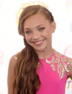 model-amateur-blonde-teens-maddie-pink