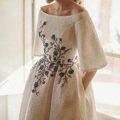 "1,109 Likes, 10 Comments - Haute couture (@lovehautecoute) on Instagram: ""Wanda Borges... Please follow @lovecouturedress #hautecoutre #stylist #style#fashionblog…"""