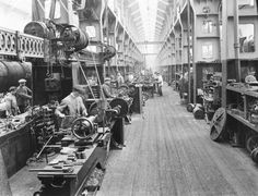 Erecting shop at Horwich railway works, 1919 - Photos - Our collection Metal Working Machines, Bolton Lancashire, Road Train, My Point Of View, Machine Tools, Factories, Vintage Industrial, North West, Childhood Memories