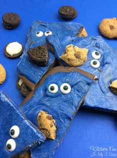 Cookie Monster Bark | fun kids treat | Sesame Street party #cookiemonster #chocolatebark