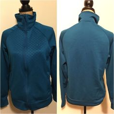 Full zip Nike dri fit jacket Full zip Nike dri fit jacket // perfect for cold weather workouts or before & after workouts // 2 side zippered pockets // Nike Jackets & Coats