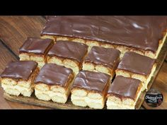 Food Cakes, Waffles, Cake Recipes, Deserts, Good Food, Food And Drink, Menu, Cooking Recipes, Sweets