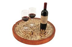 The Lazy Susan Cork Display is a wood Lazy Susan diy serving tray kit that you fill with used wine corks. The Lazy Susan Cork Kit comes assembled - all you do is add the corks and put the glass (real Wine Craft, Wine Cork Crafts, Wine Bottle Crafts, Wine Bottles, Wine Decanter, Wine Cork Projects, Diy Wood Projects, Wine Cork Art, Wine Corks