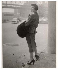 Woman wearing Dior suit, by Martin Munkacsi, 1949 Martin Munkacsi, Hungarian Women, Suits For Women, Women Wear, Most Famous Photographers, Berlin, Vintage Fashion Photography, Stunning Photography, Art Photography