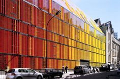 http://alpolic-usa.com/architecture/colorful-painted-glass-facade-contrasts-classical-architecture/