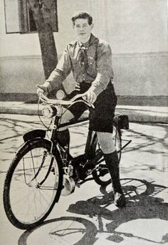 Marele Voievod de Alba Iulia, Principele Mihai pe bicicleta