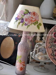 lâmpada - decoupage clássico - feito de garrafas