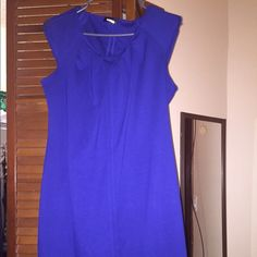 Royal blue dress Royal blue dress. The sleeves have zippers.  Sized a large but can fit as medium Dresses Midi