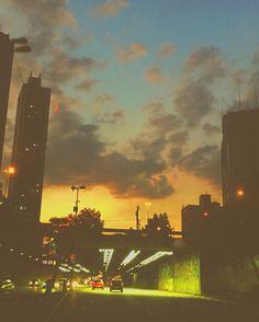 "65 curtidas, 2 comentários - Camila Tuze (@camilatuze) no Instagram: ""🌼🌼🌼🌼 . . . . . #sunset #sunsetandlove #sunsets #sunsetporn #sunset_pics #sunsetlovers #sunset_ig…"""