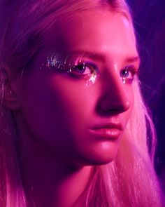 Inspired by Jules Makeup Euphoria HBO Euphoria Makeup euphoria hbo inspired jules kryginacosmetics Makeup Purple Aesthetic, Aesthetic Makeup, Aesthetic Gif, Aesthetic Vintage, Eye Makeup, Hair Makeup, Shooting Photo, Makeup Inspiration, Pretty People