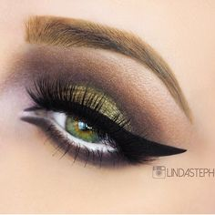 Olive green smoky eye #eyes #eye #makeup #eyeshadow #smoky #smokey #dramatic