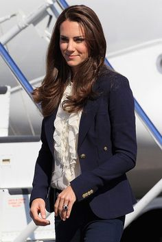 Kate Middleton Navy blazer. Classic Get dressed for work PattyonSite™
