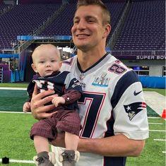 Uncle Rob! New England Patriots Apparel, New England Patriots Merchandise, New England Patriots Football, Gronk Patriots, Julian Edelman, Rob Gronkowski, Boston Sports, Tom Brady, Father And Son