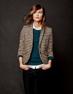 Boden's Tweed Blazer is a Great British classic for country walks, city meetings and everything in between this Fall. Made from wool milled by Abraham Moon of Yorkshire, it's an instant wardrobe staple.